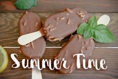 Gelato con cioccolato Immagini Stock