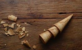 Gelato del cono su legno Fotografia Stock Libera da Diritti