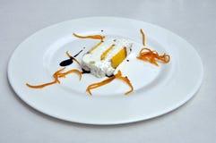 Gelato efterrätt Italiensk gourmet- glasskaka Arkivbild