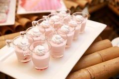 Gelato rosa con crema Fotografia Stock