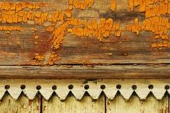 Gelb gemalte alte Wand Stockfotos