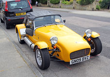 Gelb trägt Kit Car zur Schau Lizenzfreies Stockfoto