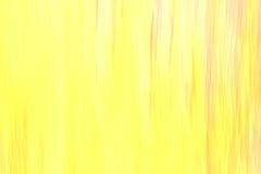 Gelb verwischte abstrakten Designhintergrund mit Elementen von farbigen Verunreinigungen Lizenzfreies Stockfoto