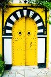 Gelbe arabische Tür Stockfotos