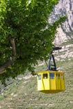 Gelbe Drahtseilbahn, Montserrat, Spanien Lizenzfreies Stockfoto
