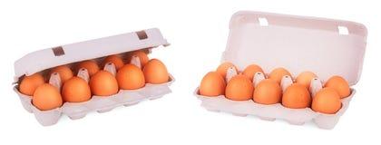 Gelbe Eier im Kasten Stockfoto