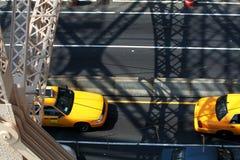 Gelbe Fahrerhäuser Stockfotos