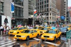Gelbe Fahrerhäuser Lizenzfreie Stockfotografie