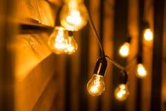 Gelbe Glühlampen Stockbilder