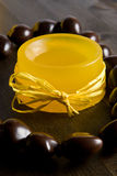 Gelbe handgemachte Seife Lizenzfreies Stockbild