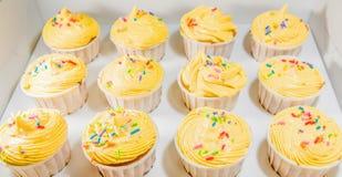 Gelbe kleine Kuchen II Lizenzfreie Stockfotografie
