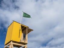 Gelbe Lebenschutzstation Stockfotos