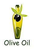 Gelbe Olivenölflasche mit Früchten und Blättern Stockfotos