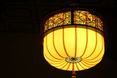 Gelbe orientalische Lampe Stockfoto
