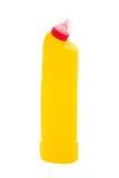 Gelbe Plastikflasche Abwaschflüssigkeit lokalisiert auf Weiß Stockfoto