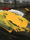 Gelbe, rote und weiße Farbe vorbereitet für Hochdruck Stockbilder
