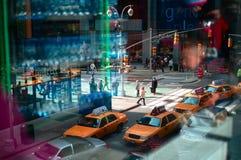 Gelbe Schutzkappen in NYC quadrieren manchmal. Stockfotos