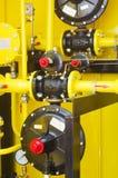 Gelbe Tankstelle lizenzfreie stockbilder