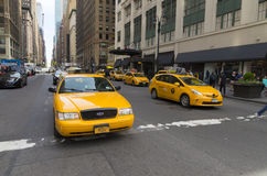 Gelbe Taxis in Manhattan Lizenzfreie Stockfotografie
