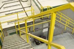 Gelbe Treppen Lizenzfreie Stockbilder