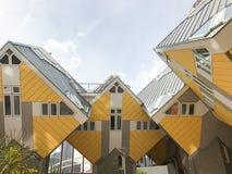 Gelbe Würfelhäuser Lizenzfreies Stockbild