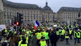 Gelbe Westenproteste gegen Zunahmesteuern auf Benzin und eingeführter Dieselregierung von Frankreich stock footage
