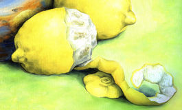 Gelbe Zitrone mit Rindenspiralenschnitt Lizenzfreies Stockbild