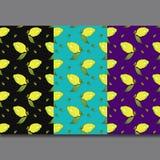 Gelbe Zitronenfrüchte mit den grünen Blättern lokalisiert auf buntem Hintergrund in der schönen Art Muster stock abbildung