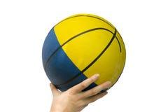 Gelber blauer Ball des Basketballs Lizenzfreie Stockfotografie