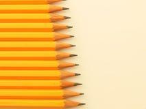 Gelber Bleistiftstapel Stockfotos