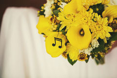 Gelber Blumenstrauß Stockfotos