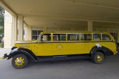 Gelber Bus Stockbild
