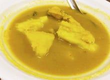 Gelber Curry in Süd-Thailand, dem normalerweise mit gekocht wird lizenzfreie stockbilder
