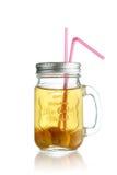 Gelber Fruchtsaft im Glas Lizenzfreies Stockfoto