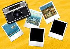 Gelber Hintergrund der Kamera- und Fotorahmenkarten stockbild