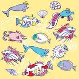 Gelber Hintergrund mit Fischen und Cockleshells lizenzfreie abbildung