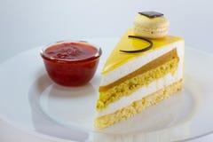 Gelber Kekskuchen lizenzfreie stockfotos