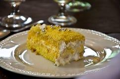 Gelber Kuchen der Mimose Stockfoto