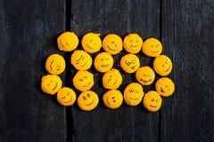 Gelber Lächelnsatz Stockbilder