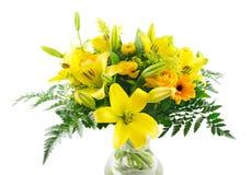 Gelber Lilienblumenstrauß Stockbild