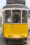 Gelber Lissabon-Förderwagen Stockfotografie