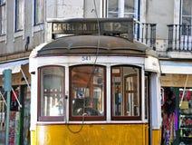 Gelber Lissabon-Förderwagen Lizenzfreies Stockbild