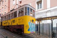 Gelber Lissabon-Förderwagen Stockbild