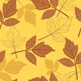 Gelber nahtloser Hintergrund mit leaves-01 Lizenzfreies Stockbild