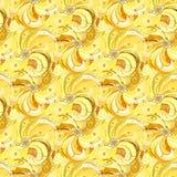 Gelber Pfau versieht nahtlosen Musterhintergrund mit Federn Lizenzfreie Stockbilder