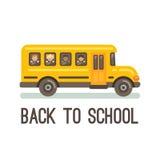 Gelber Schulbus mit vier Kindern Stockfoto