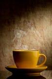 Gelber Tasse Kaffee Lizenzfreie Stockfotos