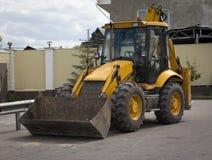 Gelber Traktor Stockfoto