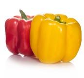 Gelber und roter Pfeffer stockbilder