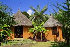 Gelbes Afrika-Bodenhaus Stockbilder